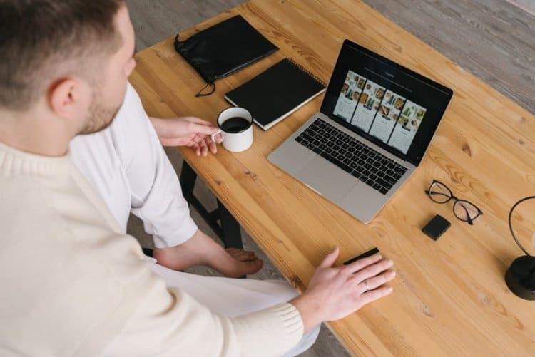 E-ticaret Şirketleri Marka Olmak için Ne Yapmalı?