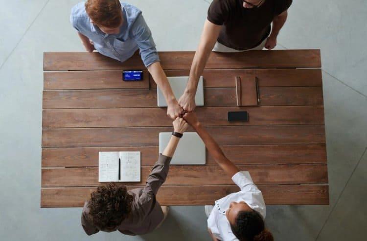 Bir E-Ticaret Sitesi Açmak için Başlangıçta Hukuki Açıdan Dikkat Edilmesi Gereken Temel Konular